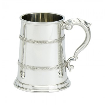 Edwin Blyde Celtic Collection Campbell Tankard Glass Base