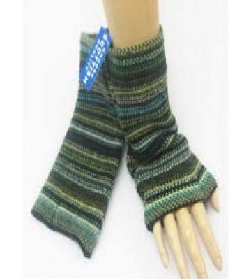 The Scarf Company 100% Lambswool Ladies Wristlets - Green