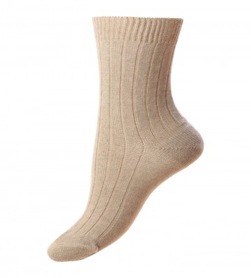 Pantherella Women's Tabitha Cashmere Ribbed Anklet Socks in Natural